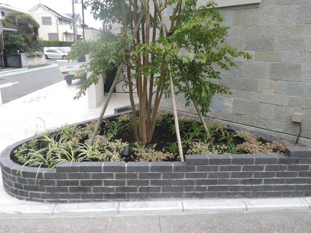 港南区 玄関前アプローチ植栽工事 平成27年7月